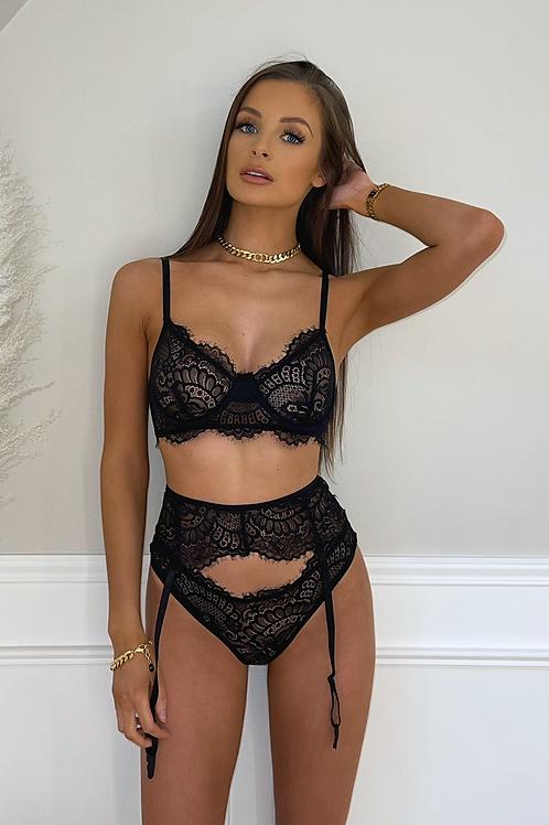 MOLLY Black Lace Suspender Lingerie Set