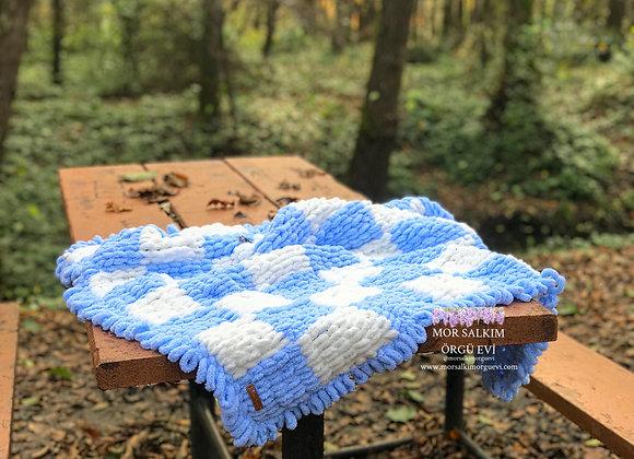 Mavi Beyaz Ekose Bebek Battaniyesi