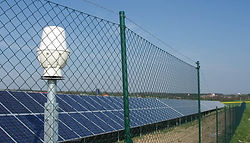 unframed-solar-protection-fence.jpg