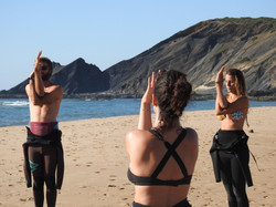 Yoga at the beach Amoreira daily classes