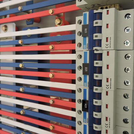 Organização e identificação de Painéis são partes fundamentais para a segurança dos equipamentos