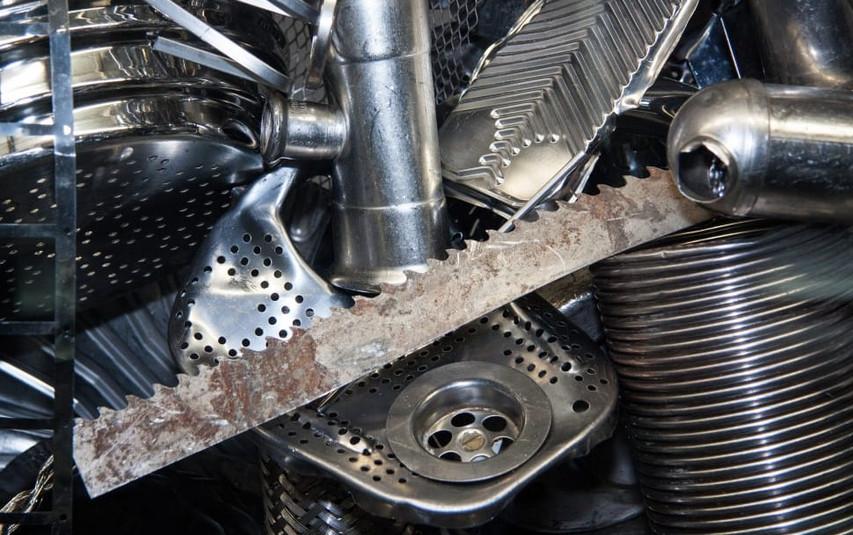 steel-scrap-structure-fund-waste-wallpap