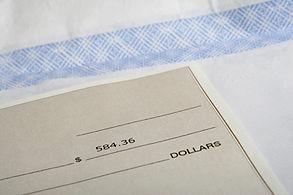 cheque-259130_pexels.jpg