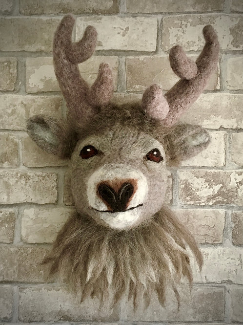 Monty the stag Wall Hanging Knitting and Felting kit