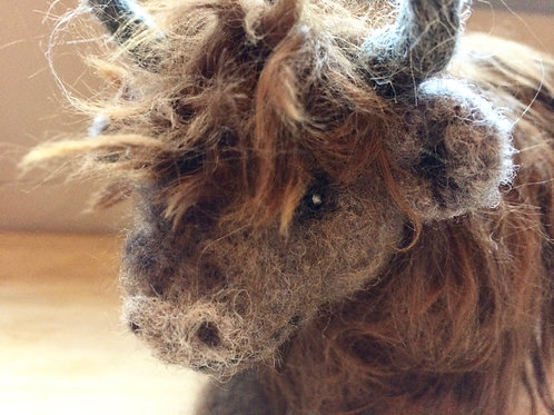 Fennel the Highland Cow, Knitting and Felting kit