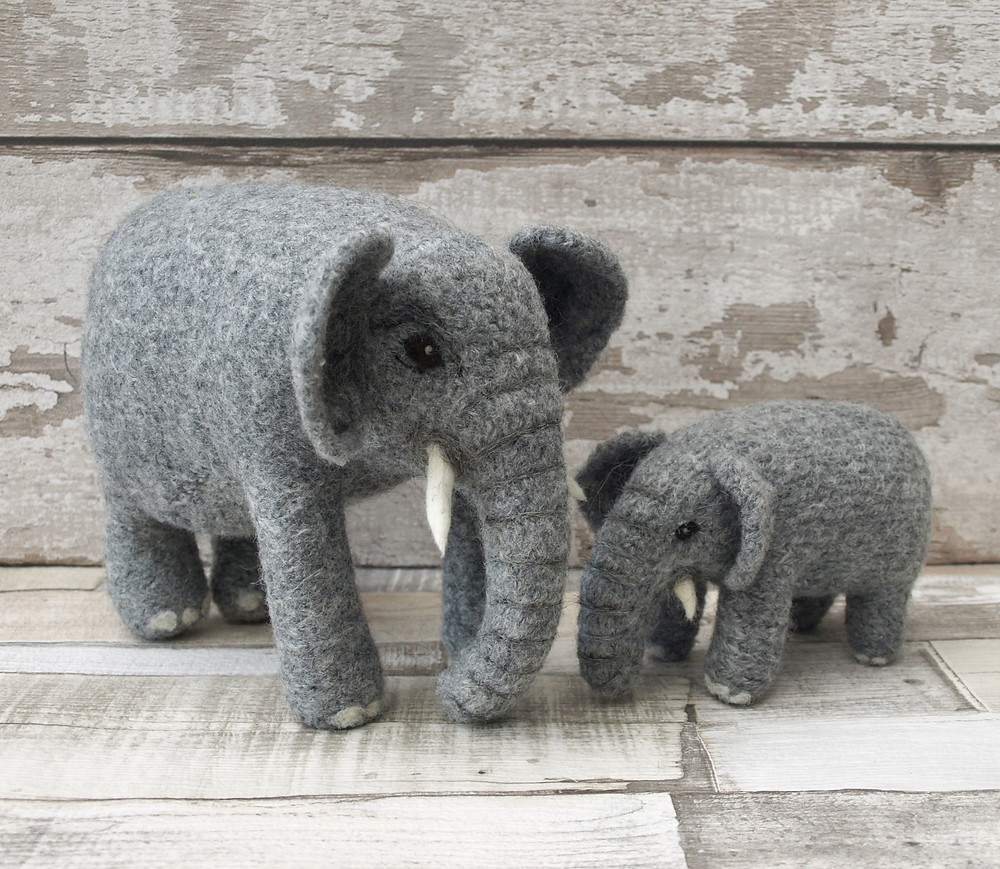Large and small elephant