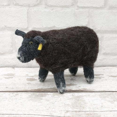 Gethin the sheep, Knitting and Felting kit