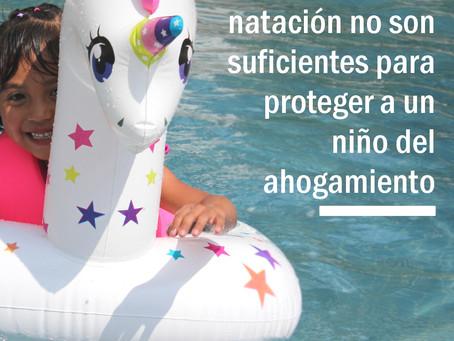 Las clases de natación no son suficientes para proteger a un niño del ahogamiento.