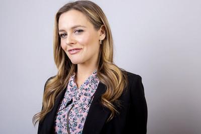 Alicia-Silverstone-Julie-Interview.jpg