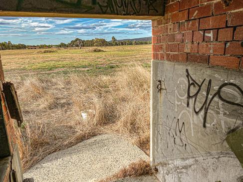07 - Byford Abandoned Sheds