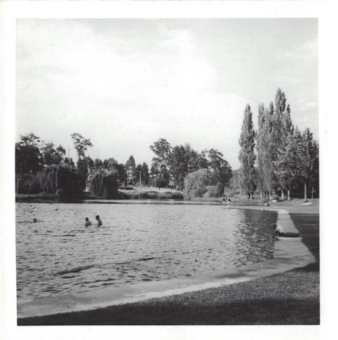 02 - People swimming in a lake