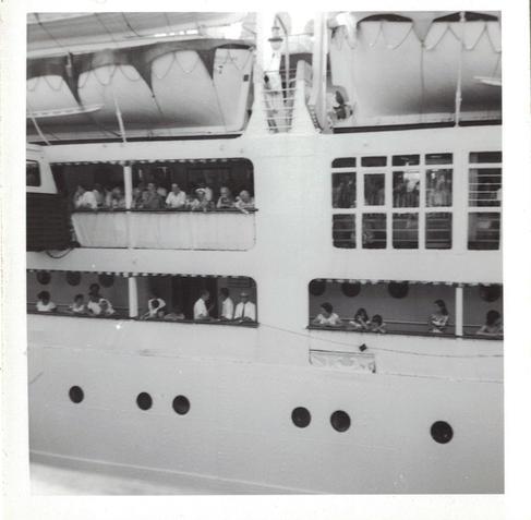 03 - People on board the Castel Felice