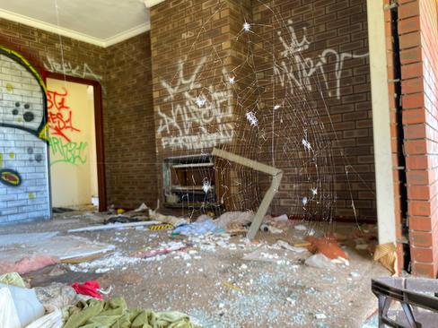 07 - Maddington Ruins