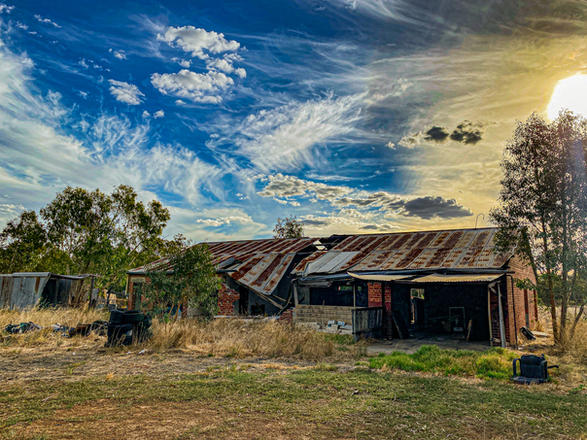 15 - Byford Abandoned Sheds