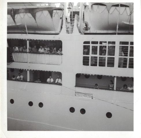 02 - People on board the Castel Felice