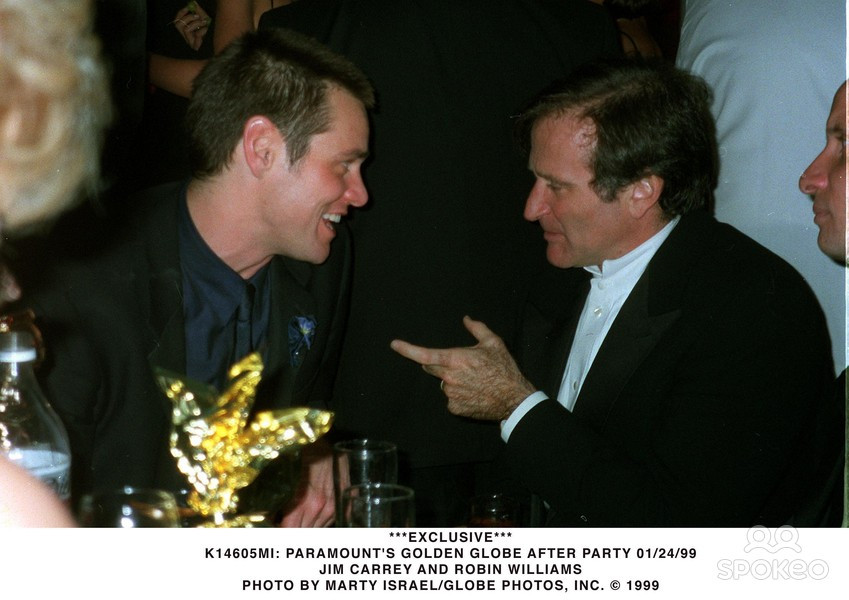 Jim Carrey and Robin Williams at the Golden Globe Awards in 1999 after Carrey won a Golden Globe for Best Performance by an Actor in a Motion Picture - Drama in The Truman Show