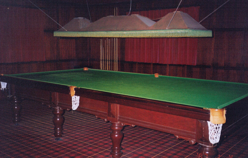 The snooker table looked massive when I was 11 years old, playing pool with my stepbrother, Queen turned on full ball, drinking Pepsi Max, best memories ever!