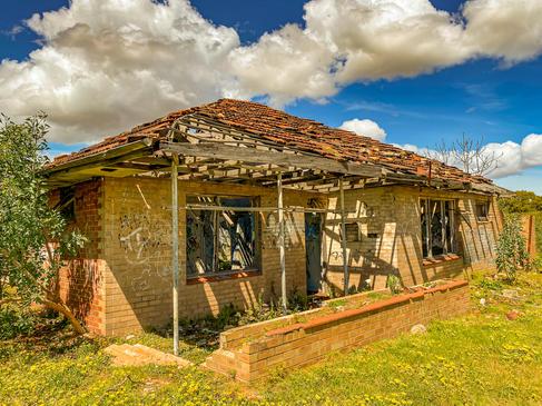 09 - Frederick Postan's Cottage, Hope Va