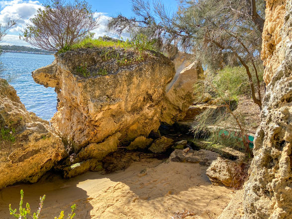 09 - Waugal Cave North Fremantle