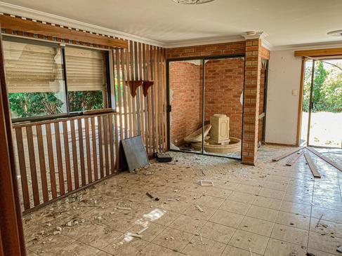 13 - Byford Abandoned Retreat