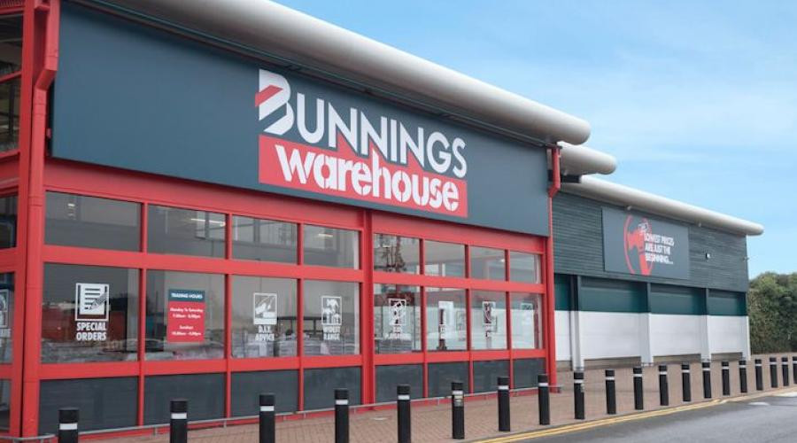 Customer feedback for an employee at Bunnings Warehouse in Perth, Western Australia, an Australian household hardware chain, founded by two brothers