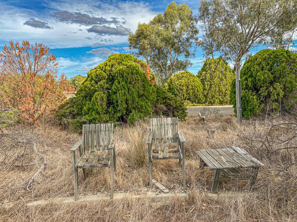 17 - Byford Abandoned Retreat