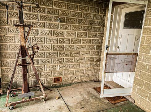04 - Oakley Abandoned Farm House