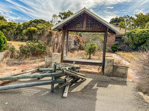 15 - Byford Abandoned Retreat
