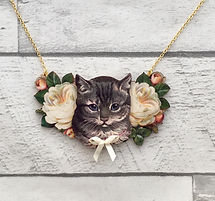 wooden%20cat%20necklace_edited.jpg
