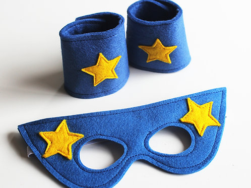 SMC02 Superhero Mask and Cuffs Set x