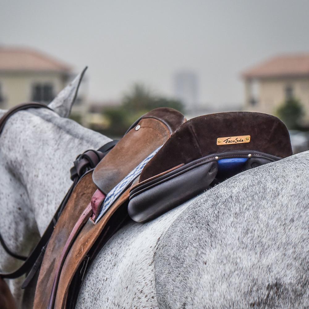 MVP polo saddle - close contact