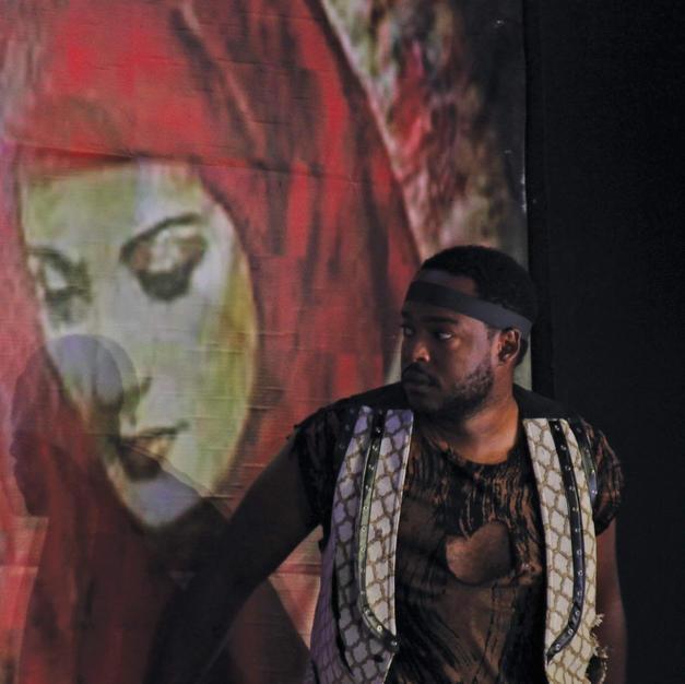 Paul Grosvenor as Angelotti