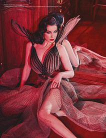 NARCISSE - SHOWTIME ISSUE - DITA VON TEESE