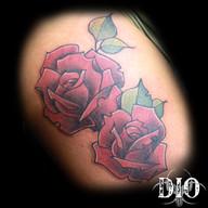 2 freehand roses on thigh.jpg