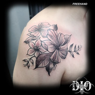 freehand flowers on shoulder 2.jpg
