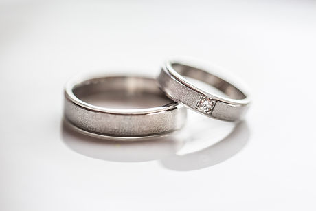 Two splendid wedding rings on a wedding