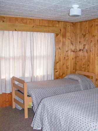 Cabin Bedroom twins.jpg