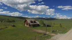 Dell Creek Cabin & Mtns