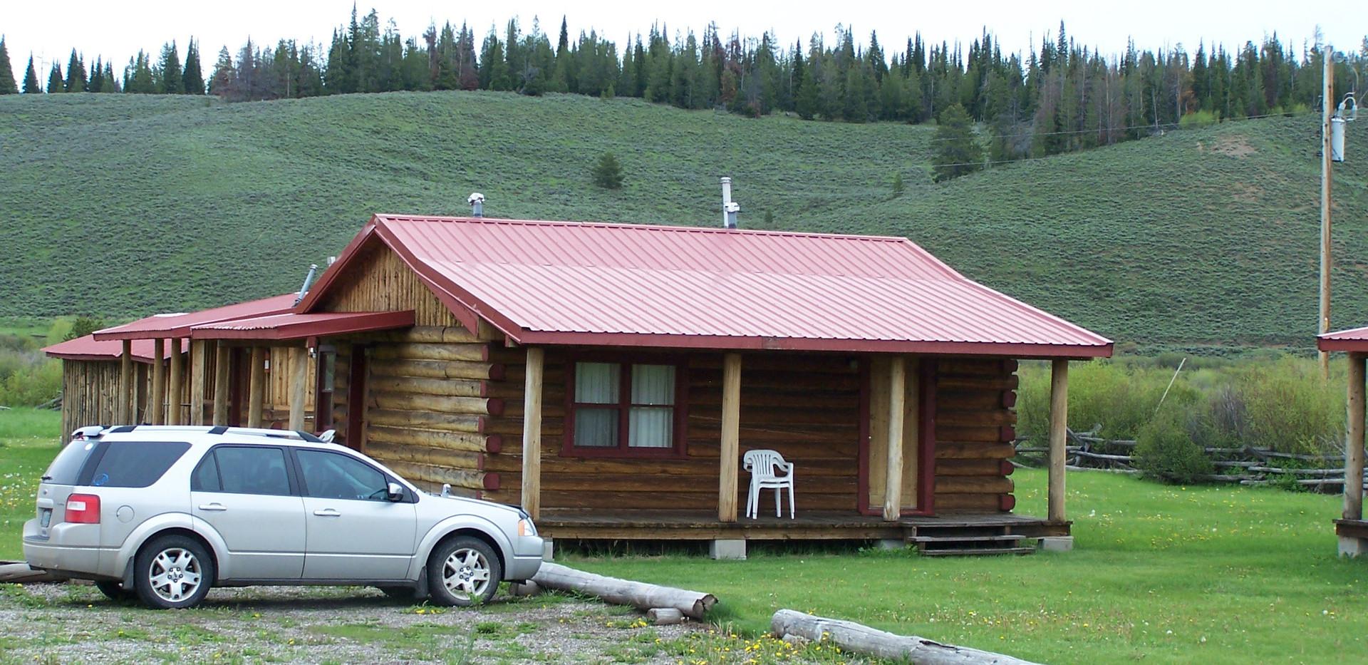 Cabin in the summer.jpg