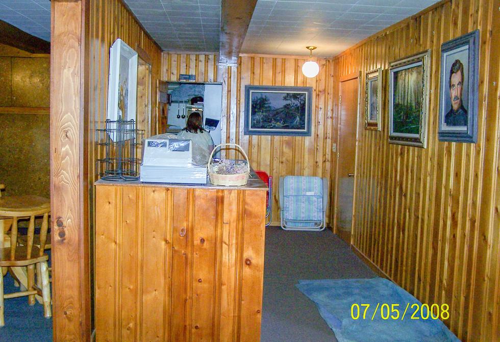 DiningRoom-Restaurant Entrance.jpg