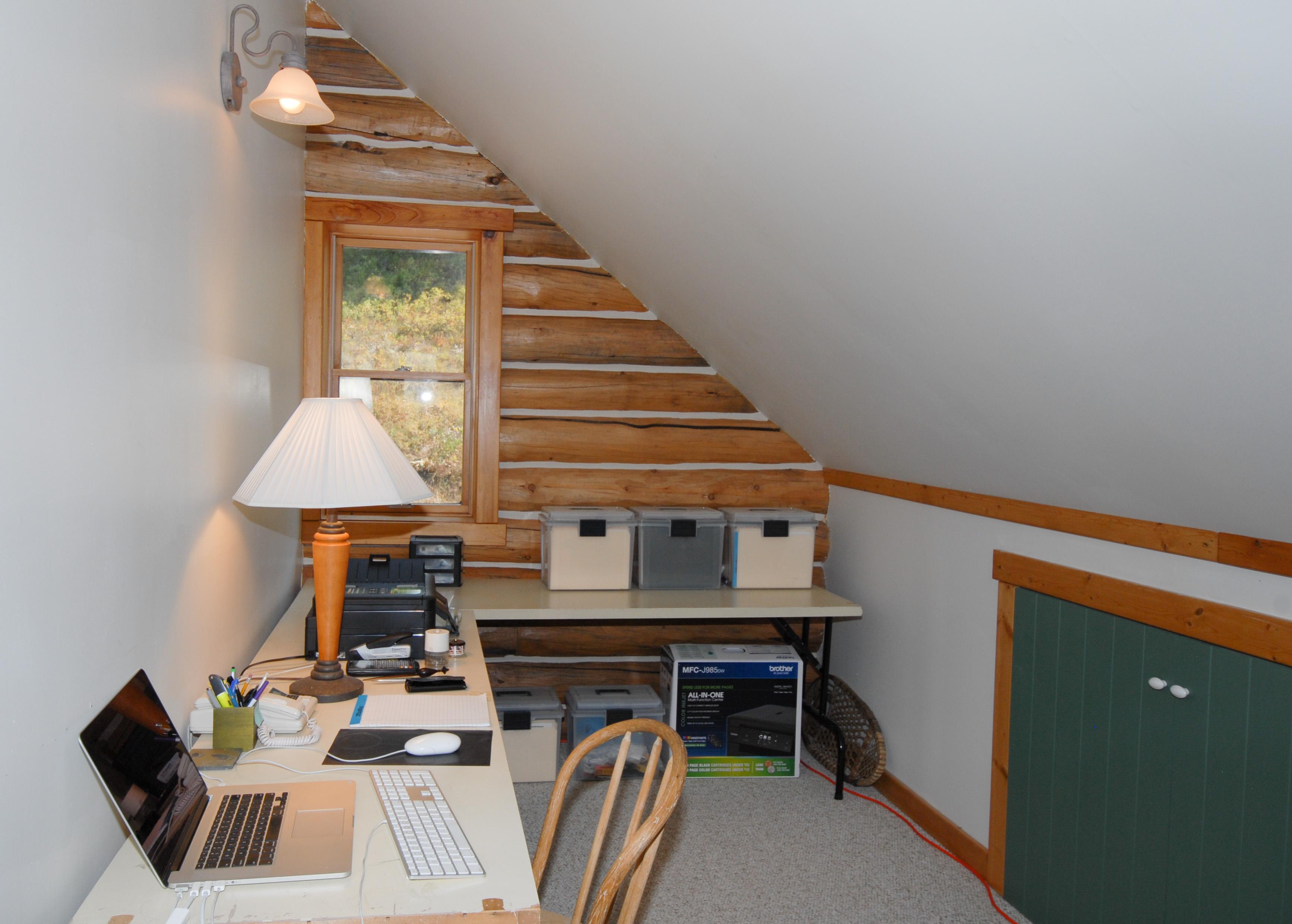 Loft - office nook