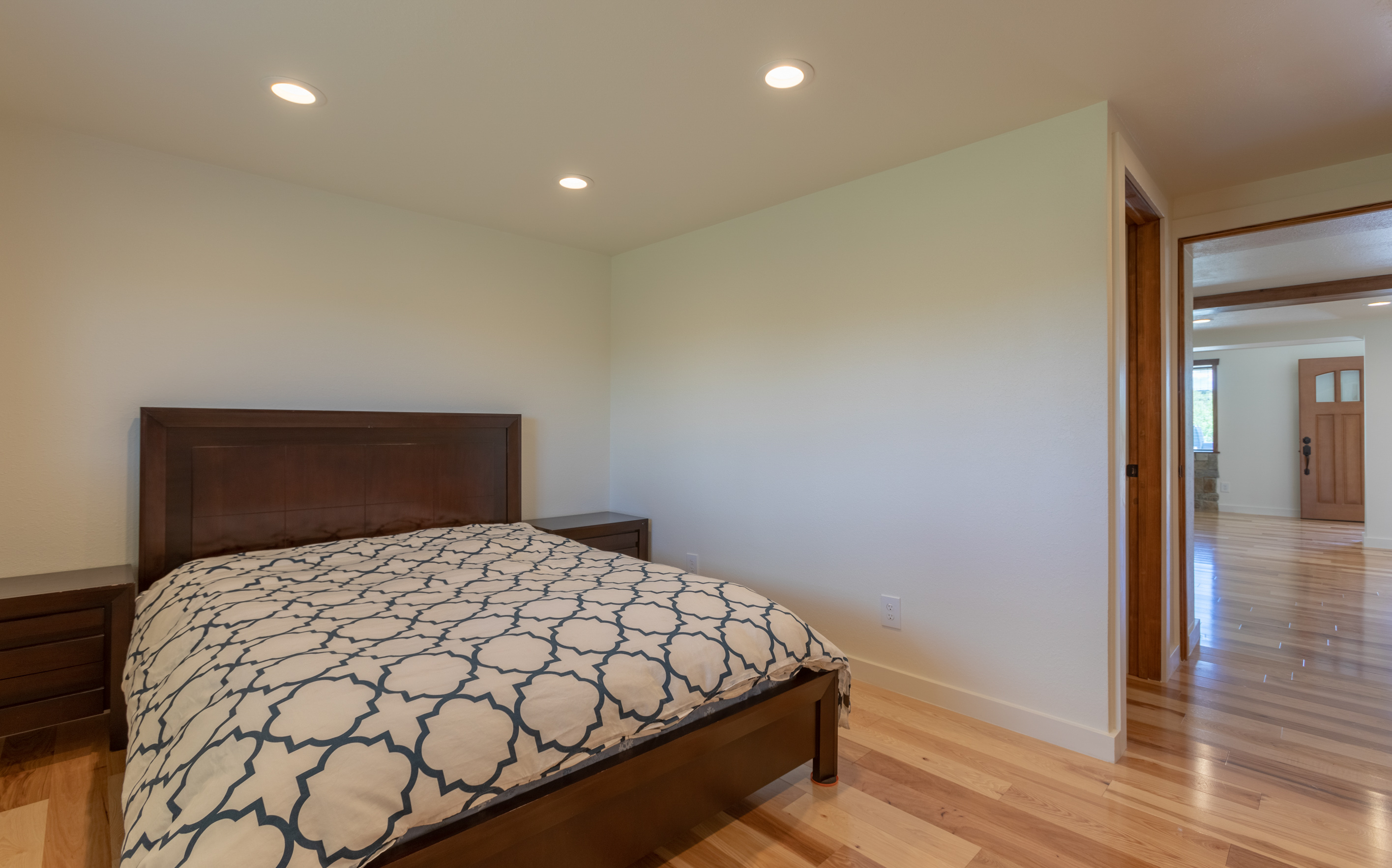 Main bedroom (1 of 1)