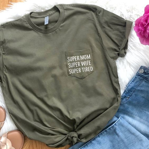 SUPER MOM POCKETED TEE