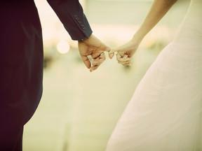 ההחלטות שקובעות את העתיד הכלכלי של זוגות צעירים