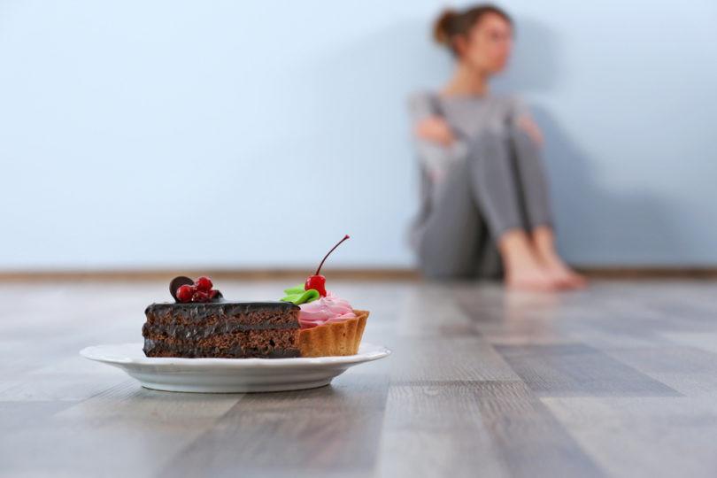 Quando la tavola diventa una prigione: un fiocco lilla contro la  fuga dal cibo e dalla realtà