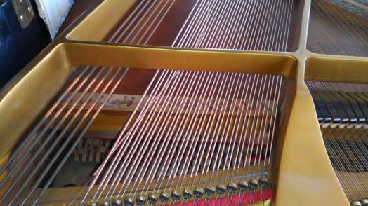 ヤマハグランドピアノ 弦張り替え