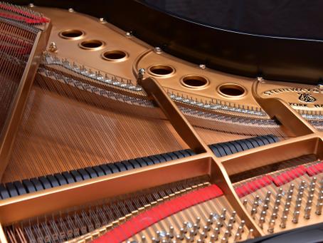 スタインウェイM型2005年製造のピアノが入荷します。