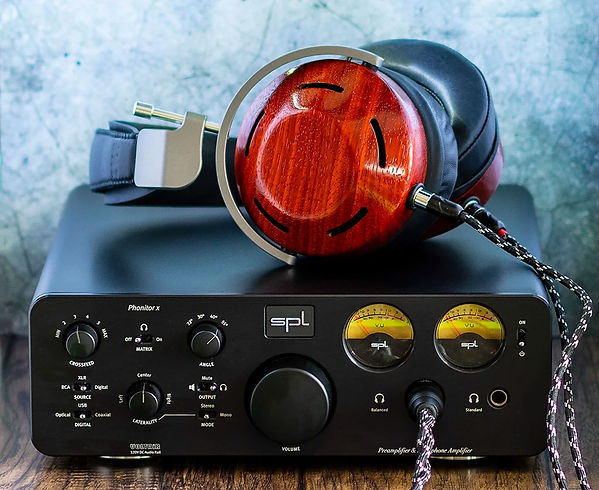Headphones.com_Titel-2.jpg