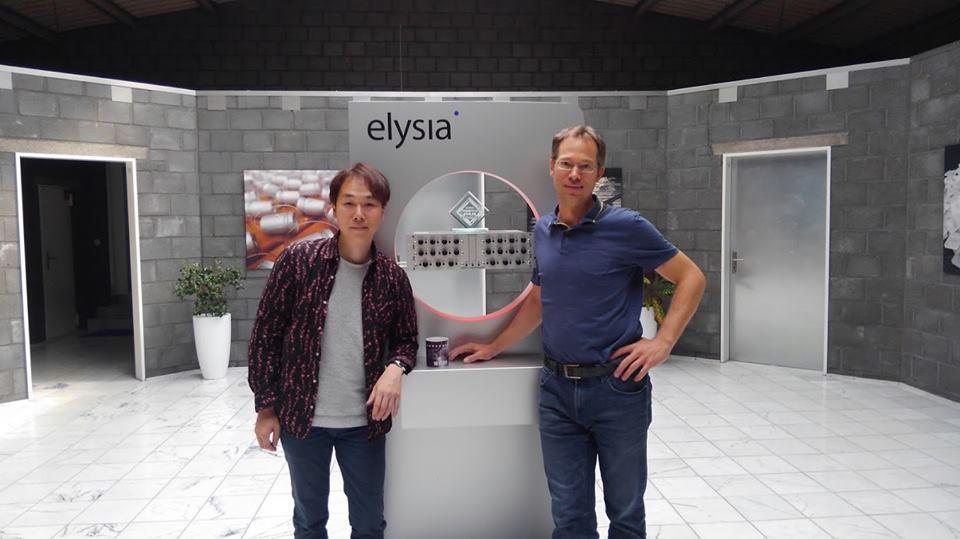 elysia社にて