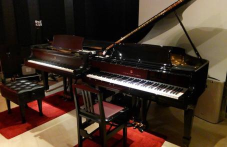 スタインウェイピアノの展示開始